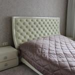 Кровать и тумбы прикроватные